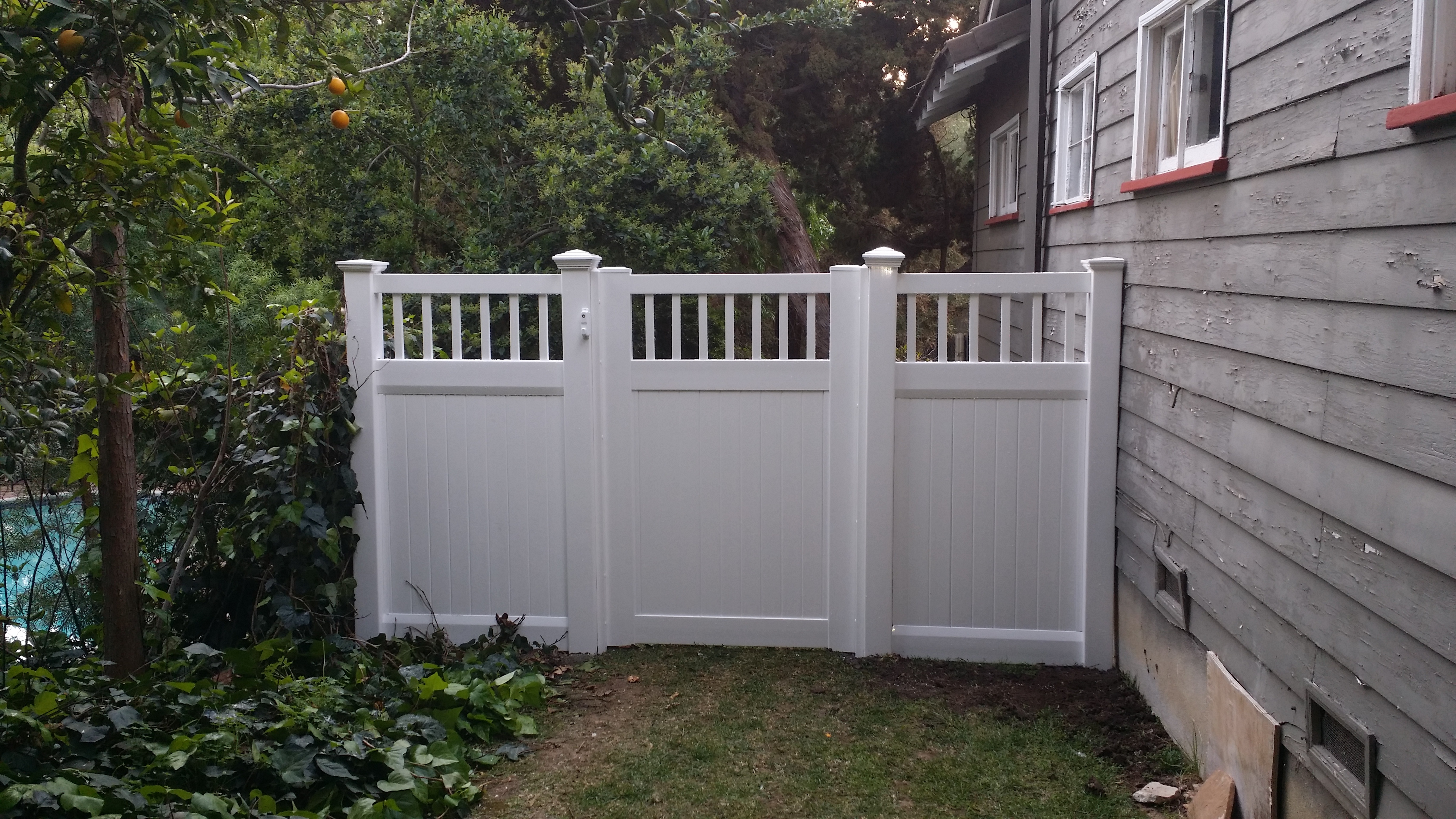 Vinyl Fencing Vinyl Gates Vinyl Wall Toppers and Patio Covers